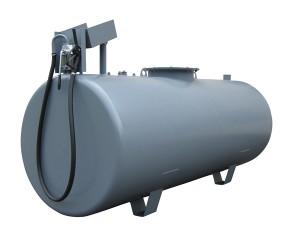 Perinteinen farmarisäiliö 3000 litraa, Nira 6B käsipumpulla varustettuna