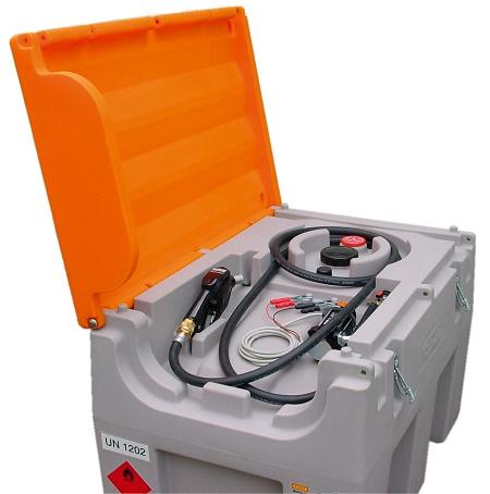 Kuvassa Cemon 430 litran dieselsäiliö. Varusteina mm kansi ja sähköpumppu 40l/min.